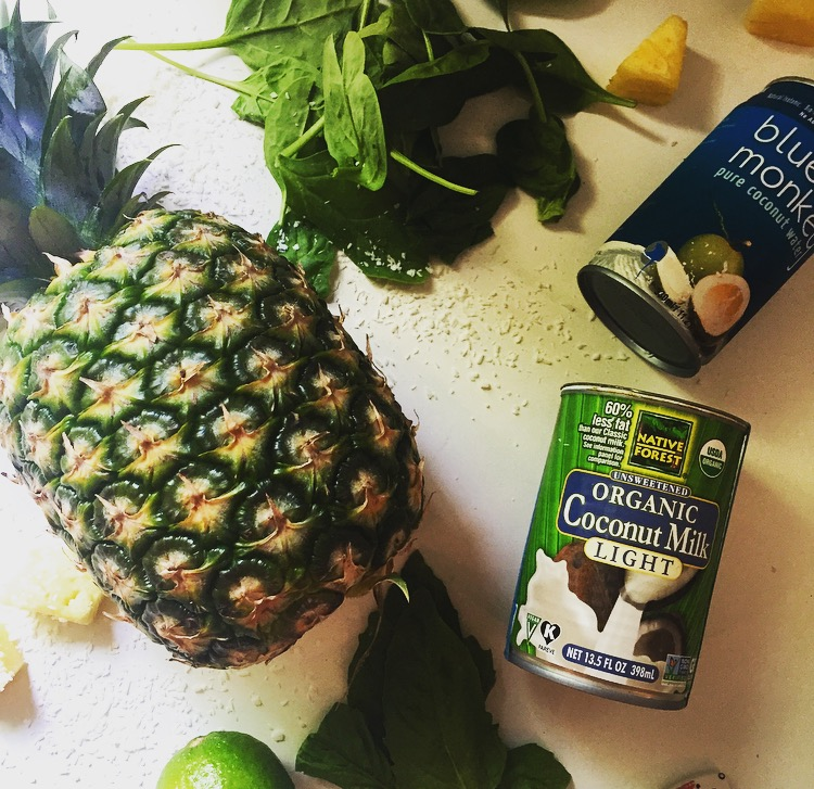 Pineapple Coconut Green Smoothie Recipe